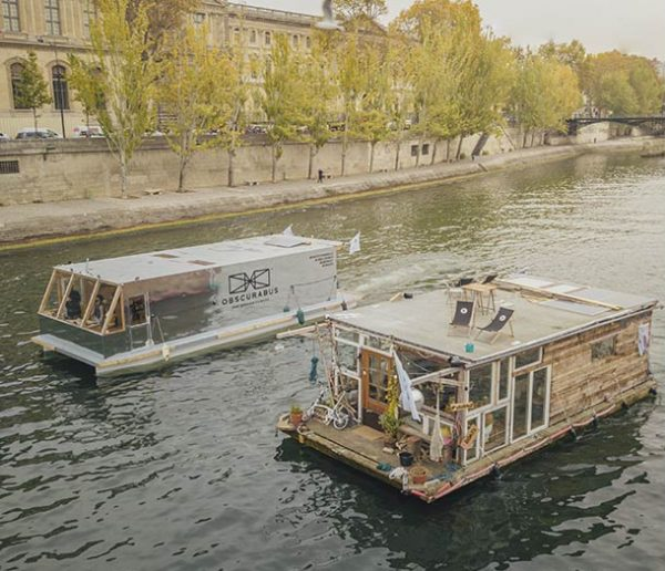 Rencontre : Ces artistes ont construit deux bateaux atypiques pour faire le tour de l'Europe