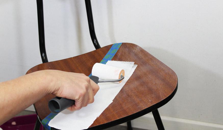 Diy moderniser et relooker vos meubles en formica avec - Peinture pour meuble en formica ...