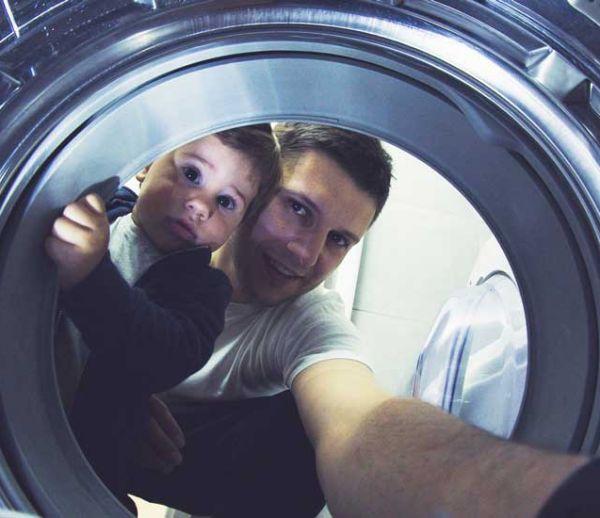 Combien de temps peut-on laisser ses vêtements mouillés dans la machine avant qu'ils ne sentent mauvais ?