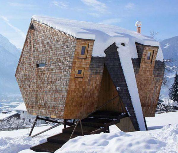 Passez la nuit dans une incroyable tiny house au look de vaisseau spatial !