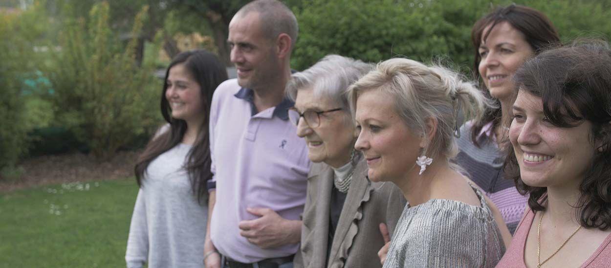 Personnes âgées : familles d'accueil, l'alternative à la