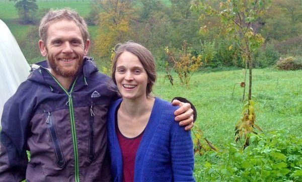 Yannick et Thérèse ont choisi la vie en coloc à la ferme pour se lancer dans la permaculture