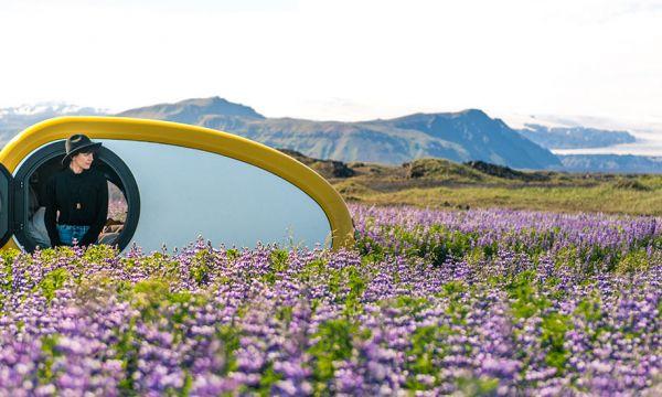 Voyagez à bord de cette minuscule caravane pour découvrir l'Islande