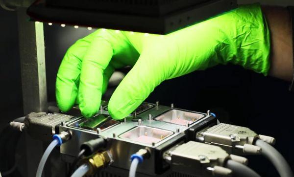 Ce nouveau matériau révolutionnaire pourrait faire chuter considérablement le prix de l'énergie solaire