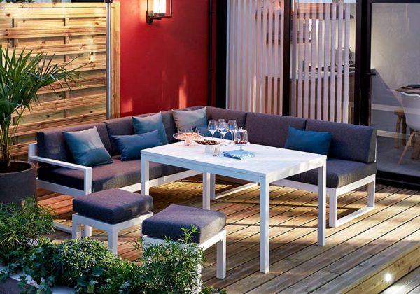 Choisir du mobilier de jardin qui résiste au mauvais temps et au soleil