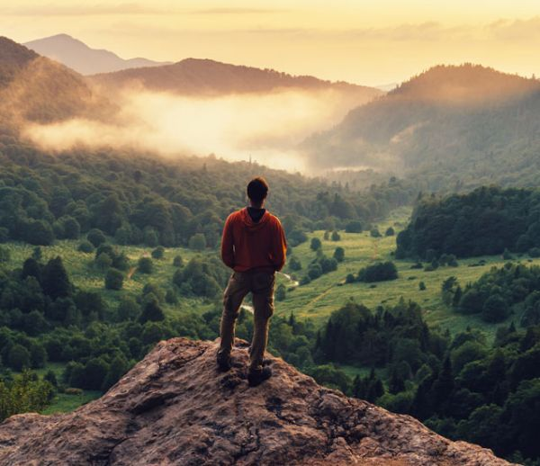 Peut-on être survivaliste sans vivre isolé dans la forêt (ou dans un bunker) ?