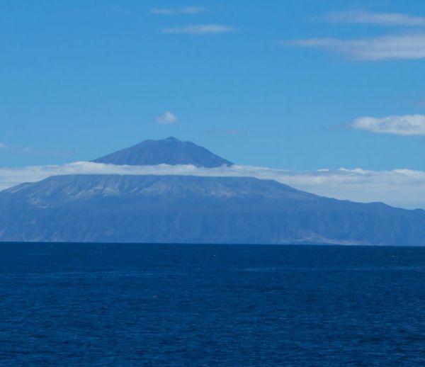 Vidéo : à quoi ressemble la vie sur l'île la plus isolée du monde ?
