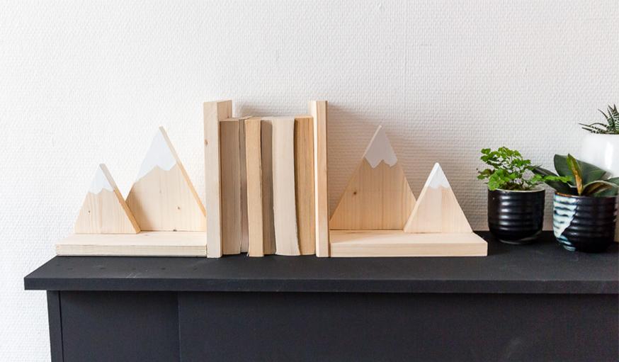 diy fabriquez un serre livre original en bois pour moins de 10 euros. Black Bedroom Furniture Sets. Home Design Ideas