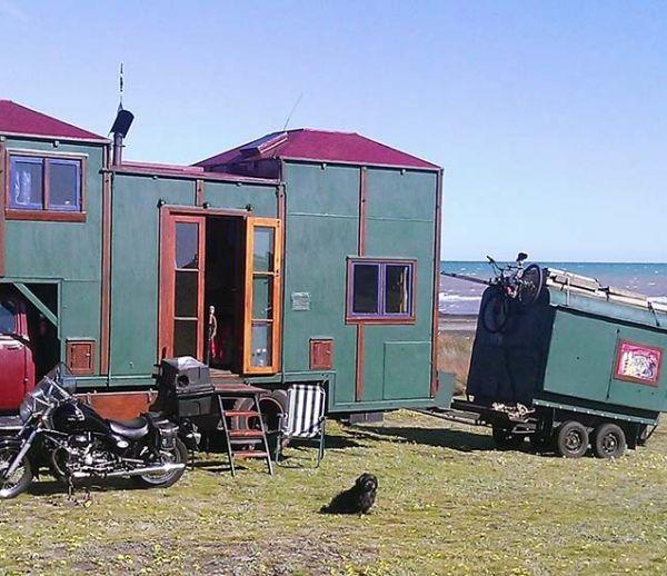 Vacances toute l'année : Il sillonne la Nouvelle-Zélande avec cet étonnant house truck