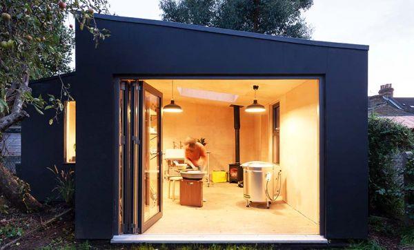 Ce beau studio de jardin est construit avec des restes de chantier pour moins de 1 200 euros