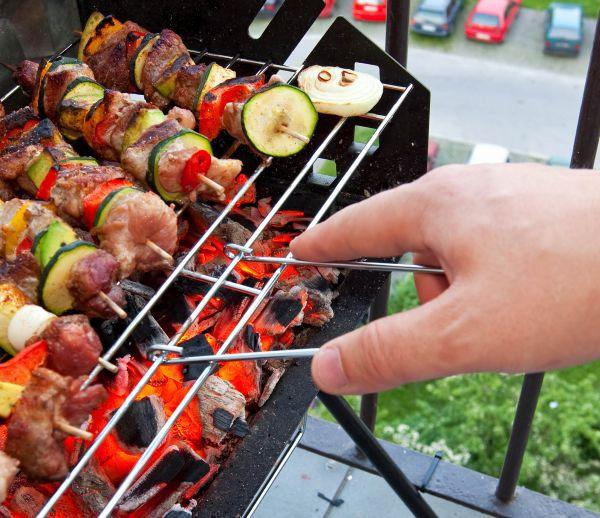 Avez-vous le droit de faire un barbecue sur votre balcon ou votre terrasse ?