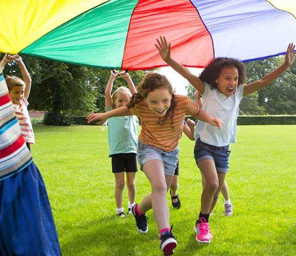 15 activités d'extérieur originales pour un anniversaire inoubliable