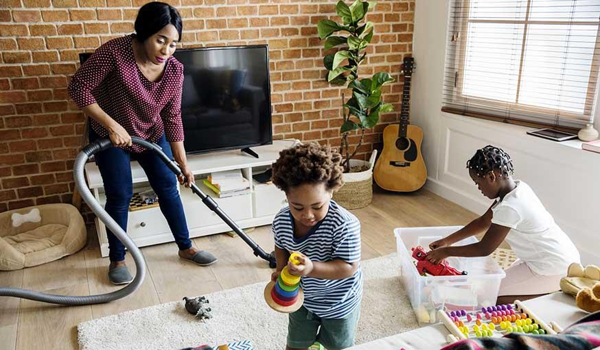astuces pour ranger les jouets dans le salon id es rangements jouets. Black Bedroom Furniture Sets. Home Design Ideas