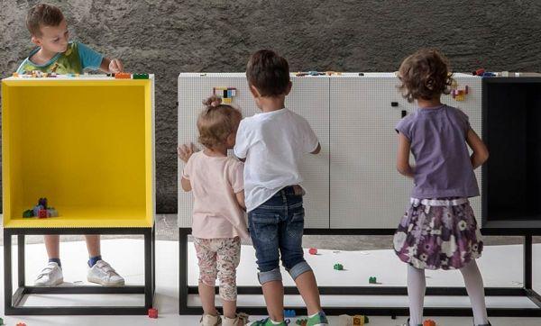 Décorez vos meubles avec vos plus belles constructions en LEGO