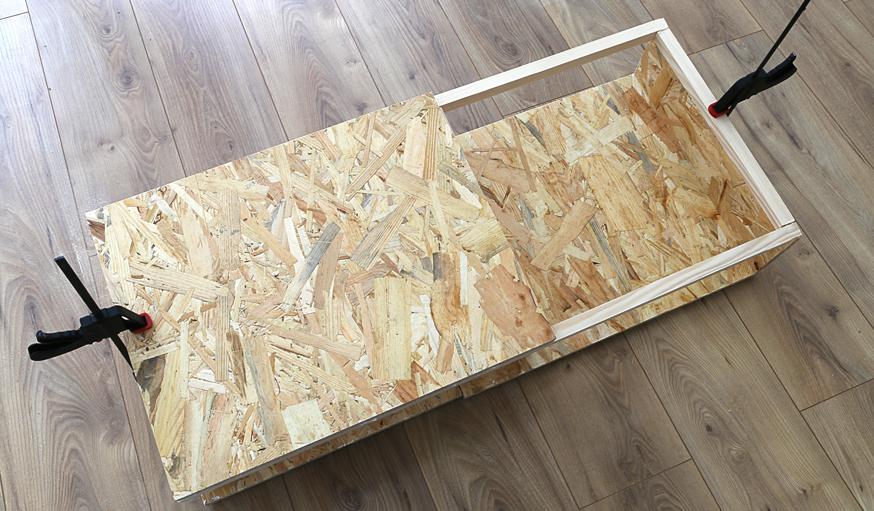 diy fabriquer un meuble tendance rangement de vinyle en osb. Black Bedroom Furniture Sets. Home Design Ideas