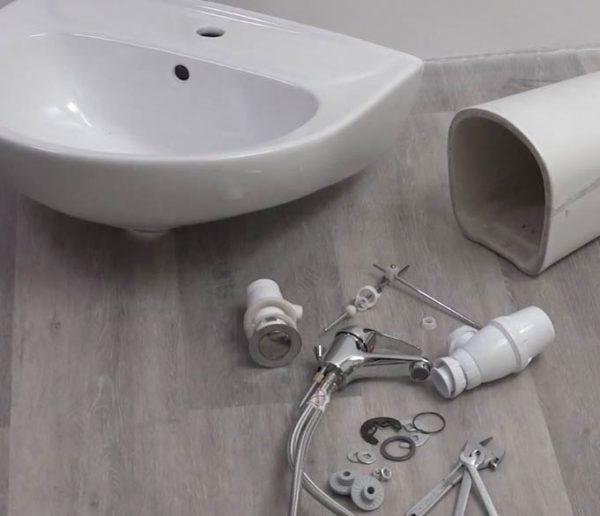 Tuto : apprenez à déposer un lavabo facilement
