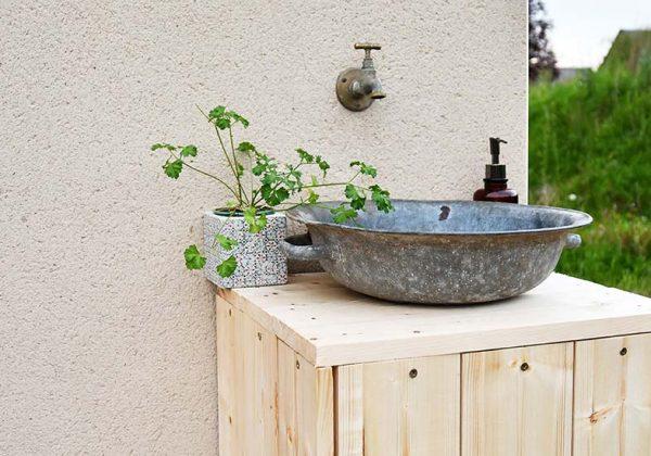 DIY récup - Fabriquer un meuble vasque avec une vieille bassine