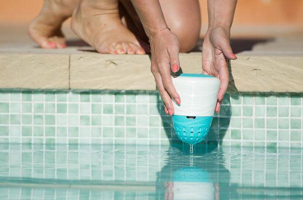 Cet objet connecté vous aide à entretenir votre piscine pour vous baigner dans une eau parfaite