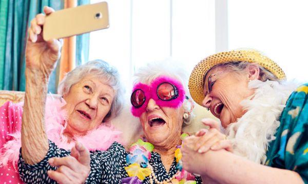5 alternatives solidaires et chaleureuses aux maisons de retraite