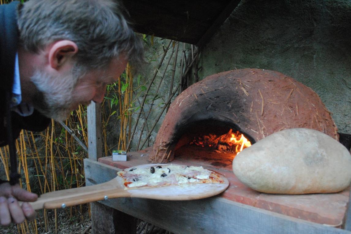 Fabriquez Un Four Pour Cuir Vos Pizzas Au Feu De Bois Dans Votre Jardin