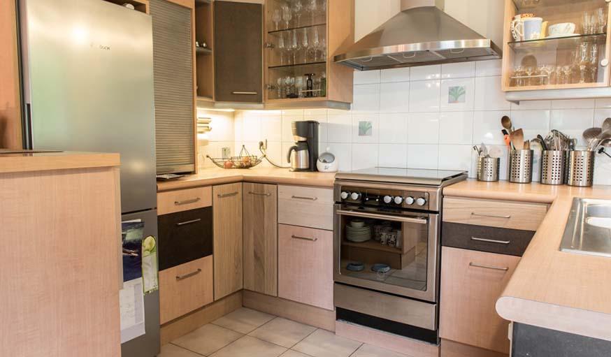 Id es d co cuisine comment repeindre et r nover des meubles de cuisine - Donner des meubles a une association ...