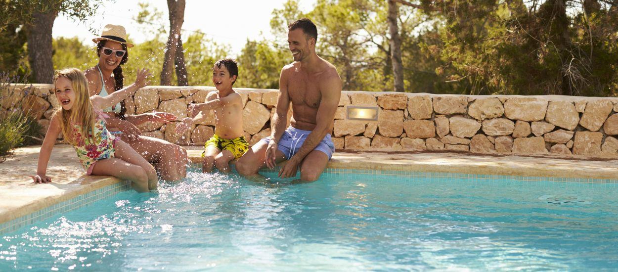 Pas de piscine dans votre jardin ? Louez celle de vos voisins grâce à ces Airbnb de la piscine