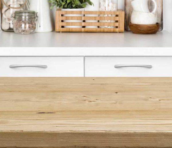 Tuto : Comment rénover un plan de travail en bois ?