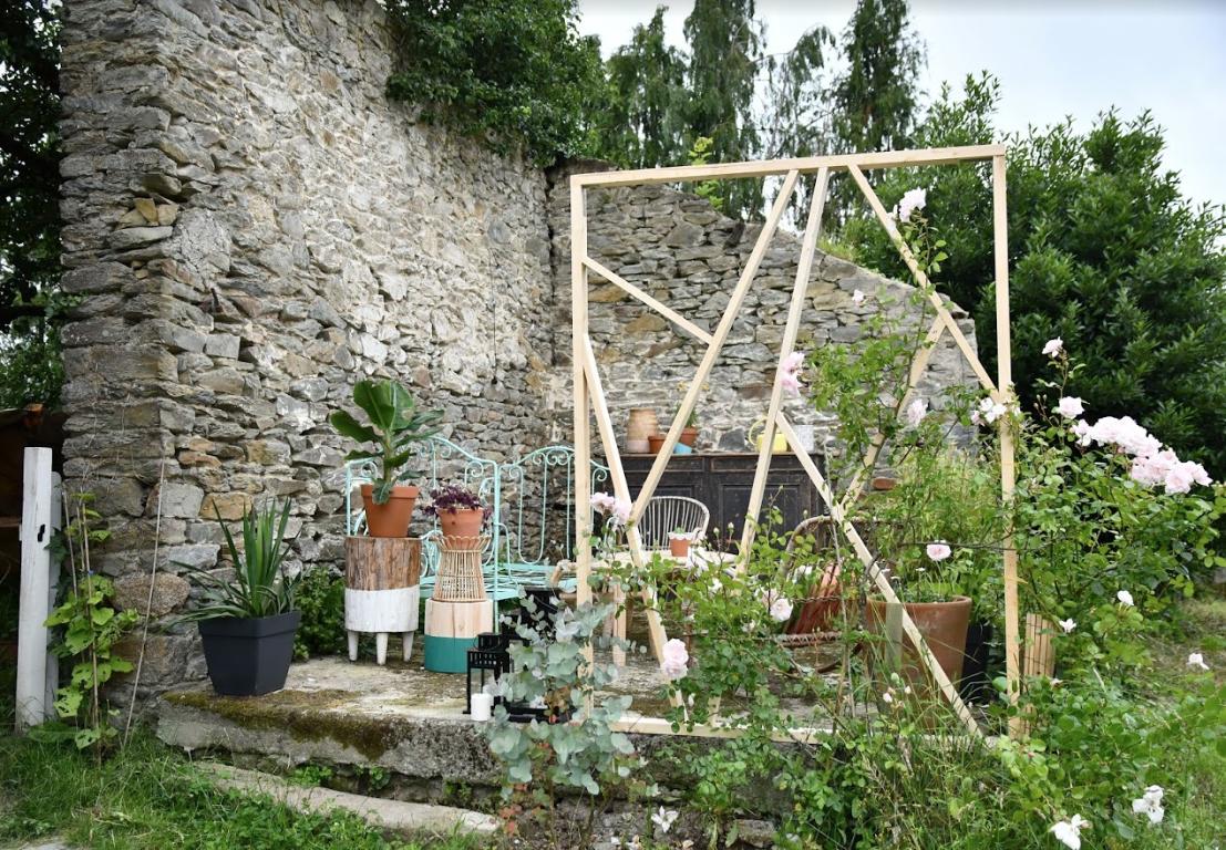 Faire Une Cloison Avec Des Tasseaux diy : créer une séparation dans votre jardin avec une