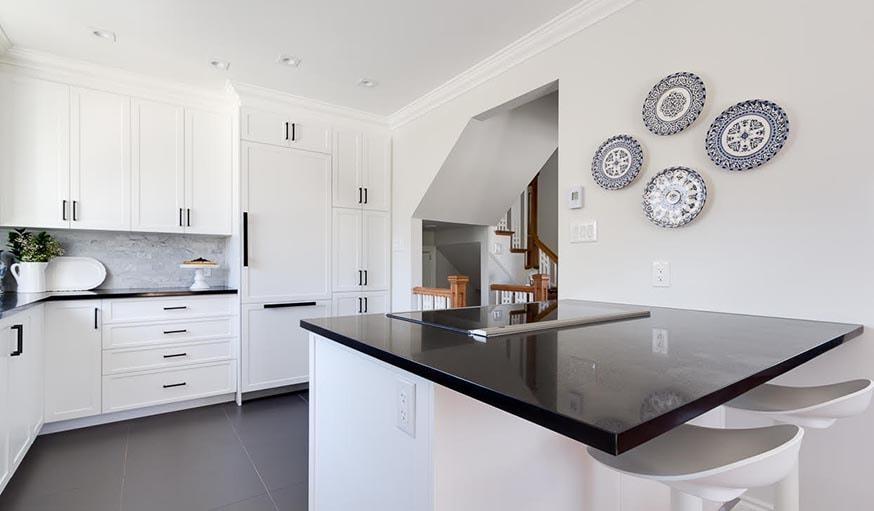 16 id es d co tendance pour une cuisine noire ou blanche. Black Bedroom Furniture Sets. Home Design Ideas
