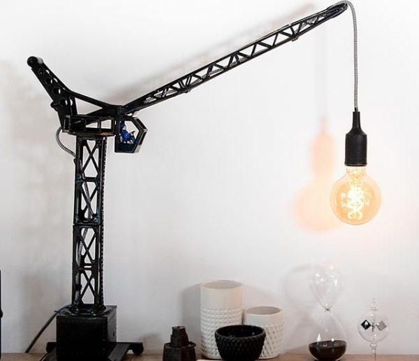 Tuto : Fabriquez une lampe industrielle avec une grue pour enfants