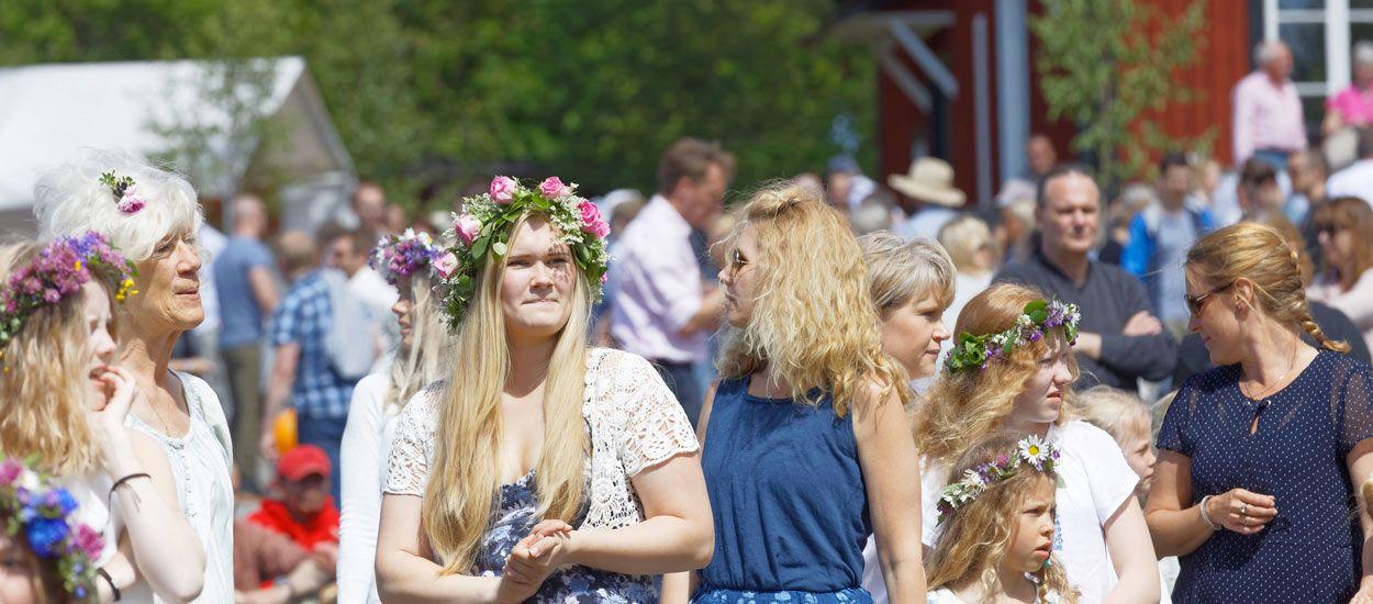 Comment font les Suédois-es pour vivre heureux quand il ne fait jamais nuit ? (et les idées à leur piquer)