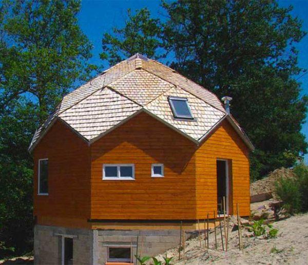 Mieux que les dômes, découvrez les zomes : des petites maisons écolos où l'on se sent bien