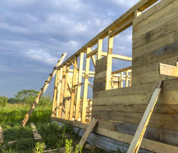 Comment choisir le maître d'œuvre et les artisans qui construiront votre maison écolo ?