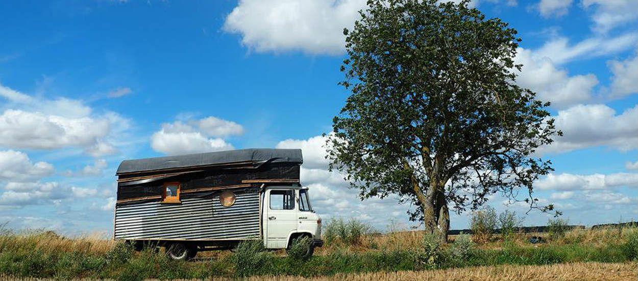 Rencontre avec Varzu, 24 ans, qui a construit elle-même sa tiny house !