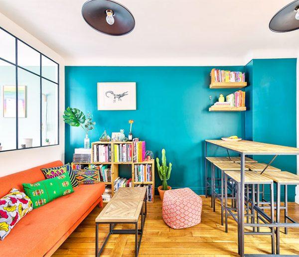 Avant / Après : Un appartement désuet transfiguré grâce à une verrière et des couleurs éclatantes