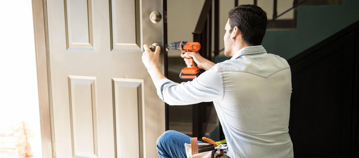 Comment blinder sa porte d'entrée sans avoir à la remplacer ?