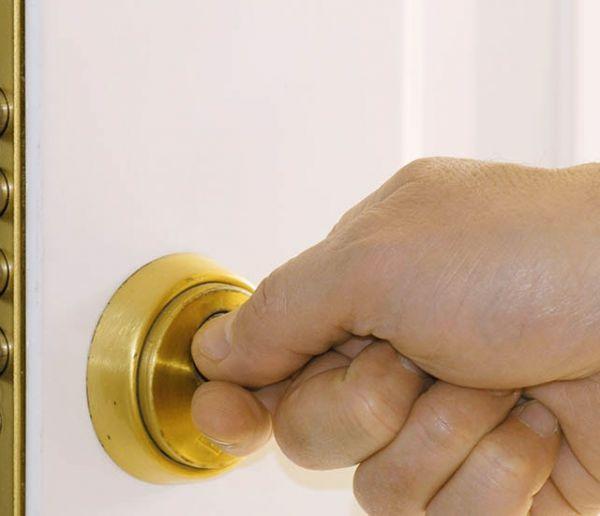Sécurité : Conseils de pros pour bien choisir la serrure de votre porte d'entrée