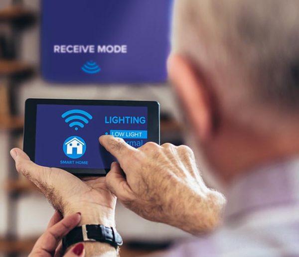 Les objets connectés sont-ils la solution pour que vos grands-parents restent autonomes ?