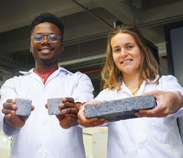 Ils inventent une brique à l'urine pour remplacer le béton et lutter contre le réchauffement climatique