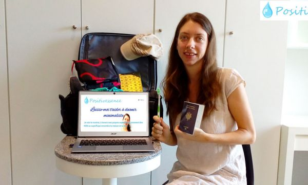 Lucile est minimaliste et sa vie tient dans une valise de 10 kilos