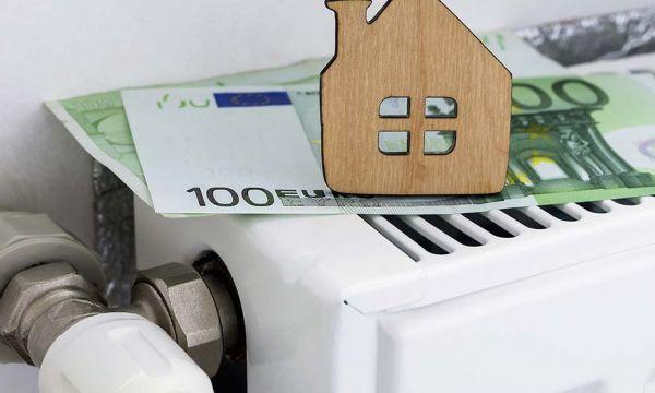 Hausse du carburant : le gouvernement annonce que le chèque énergie augmentera dès janvier