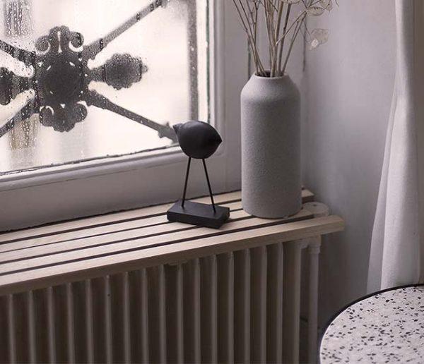 Tuto : Fabriquez une tablette originale pour votre radiateur et gagnez un rangement !