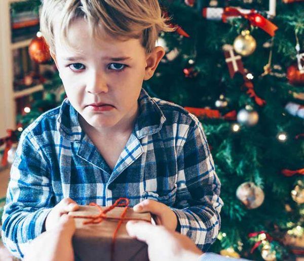 Que faire de vos cadeaux de Noël moches (à part les revendre) ?