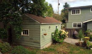 Avant / Après : Ils ont transformé un vieux garage en maison tout confort pour leur grand-mère