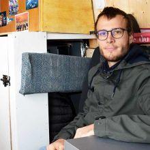 Les conseils de Valentin, 23 ans, pour passer l'hiver dans son van aménagé