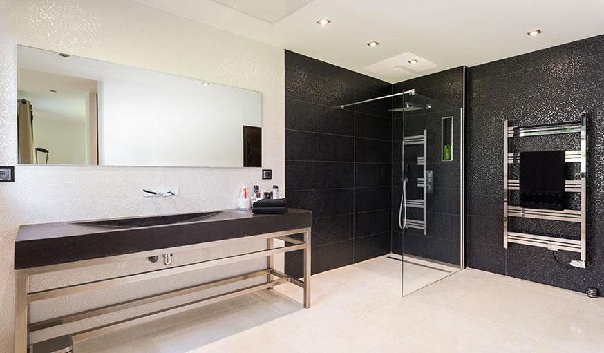 9 inspirations pour installer une douche l 39 italienne - Modele de salle de bain a l italienne ...