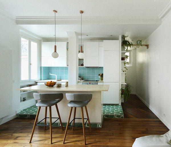 Avant / Après :  Cuisine ouverte et îlot central pour moderniser cet appartement haussmannien