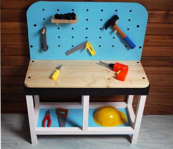 Tuto : Fabriquez un adorable établi, qui a tout d'un vrai, pour votre enfant