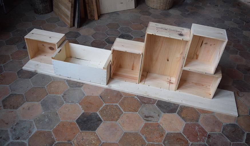 Diy Construire Un Meuble Deco Avec Des Caisses A Vin En