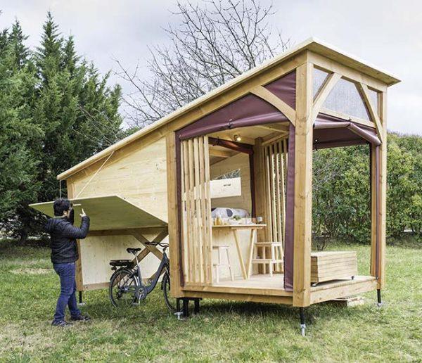 Cette petite cabane est parfaite pour abriter les cyclistes en randonnée